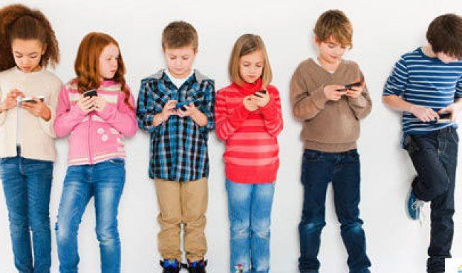6 tác hại của smartphone đối với trẻ em mà cha mẹ ít ngờ tới
