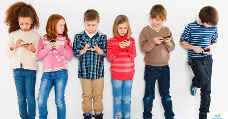 6-tac-hai-cua-smartphone-doi-voi-tre-em-ma-cha-me-it-ngo-toi