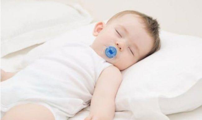 Cách chọn và sử dụng gối cho trẻ sơ sinh an toàn đúng cách mẹ nên tham khảo