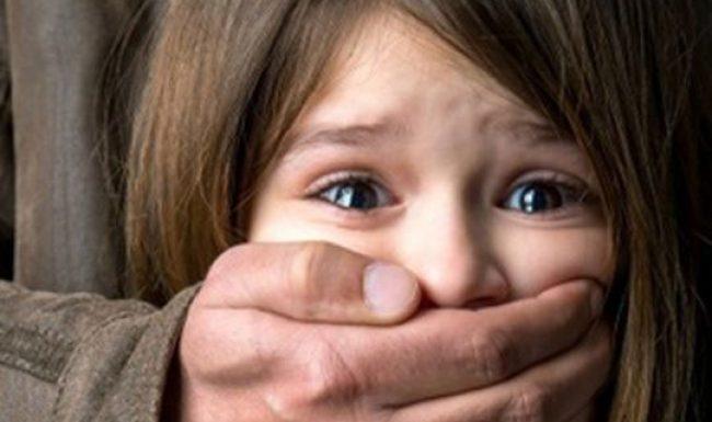 Cách dạy trẻ đối phó với người lạ tránh bị kẻ xấu dụ dỗ bắt cóc