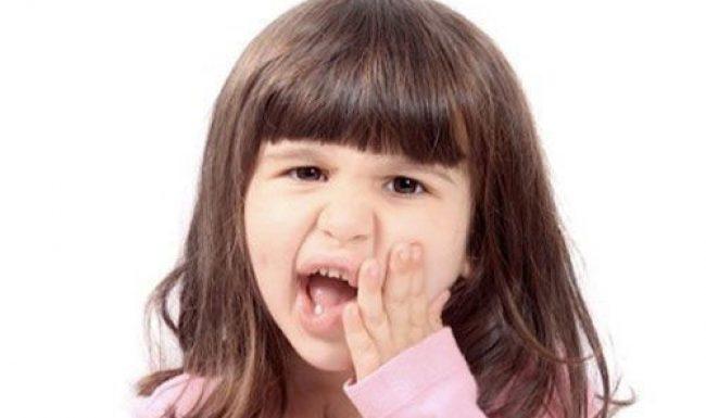 Chăm sóc răng miệng cho bé hiệu quả giúp răng chắc khỏe không bị sâu