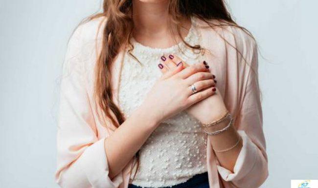 Hỏi về hiện tượng đau vú ở phụ nữ là dấu hiệu bệnh gì?