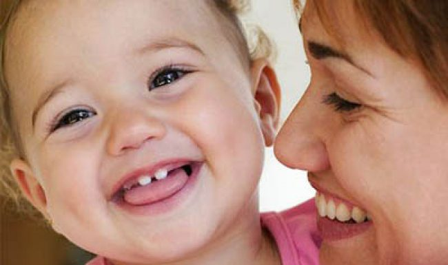 Hướng dẫn mẹ chăm sóc trẻ mọc răng đúng cách khoa học nhất