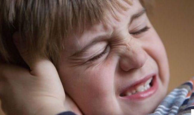 Viêm tai giữa có mủ gây nguy hiểm gì cho cả người lớn và trẻ em?