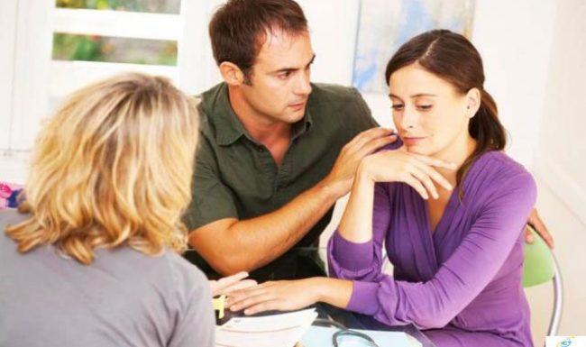 Hỏi về việc vợ chồng hiếm muộn có nên canh tuổi sinh con hay không?